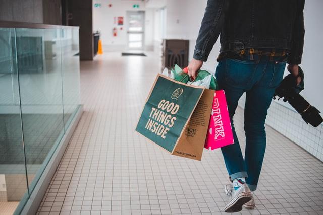 4 stratégies numériques pour vendre plus en magasin