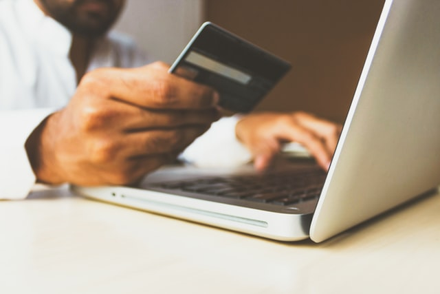 Comment mettre en place les paiements à distance dans son commerce